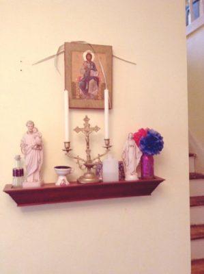 Mẫu bàn thờ công giáo gỗ - Mẫu 4